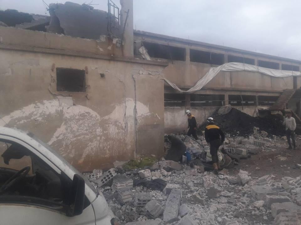 18-1-2018 Russian airforce shells henhouse housing Syrian IDPs Idlib